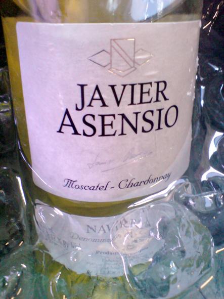 Este Javier Asensio merece se mostra suave e atraente