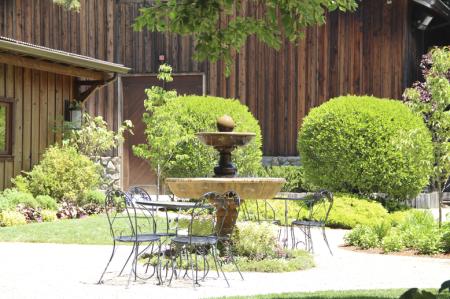 Detalhe do aconchegante jardim